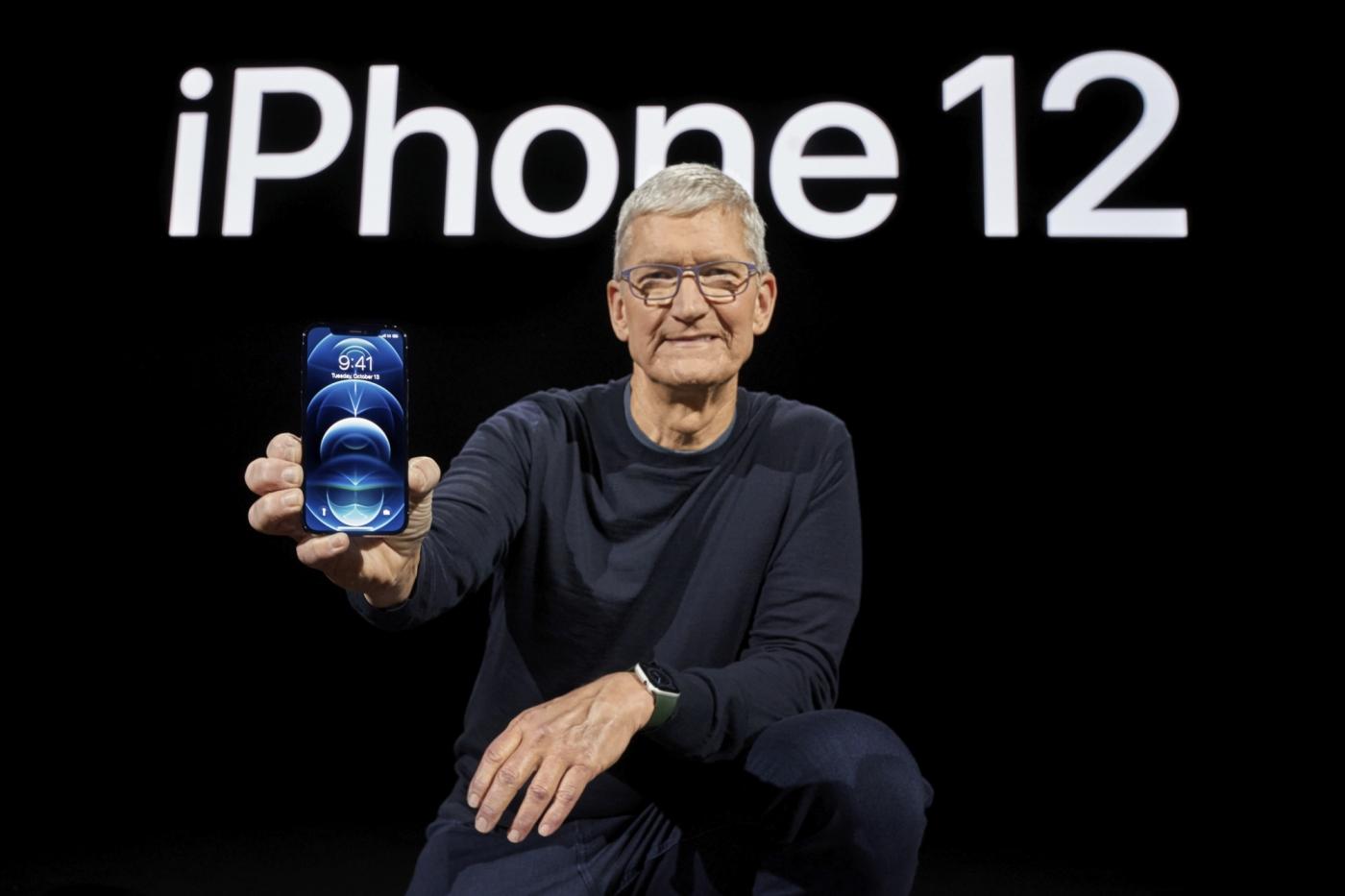 最久綁4年、低資費不見了!電信三雄的iPhone 12資費出爐,下手前要注意哪些小心機?