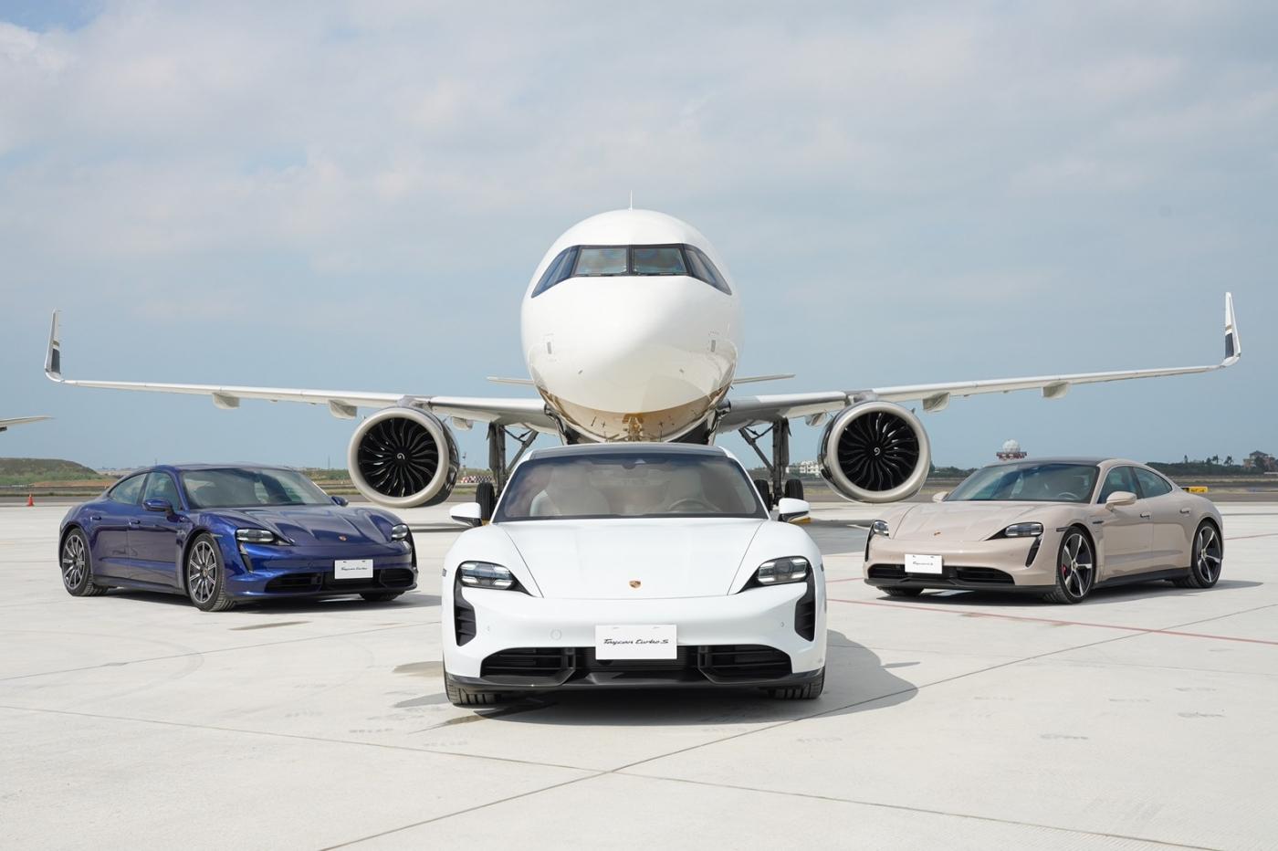 航空+超跑迷大愛!3輛保時捷開進機場,張國煒揭密星宇駕駛艙、米其林飛機餐