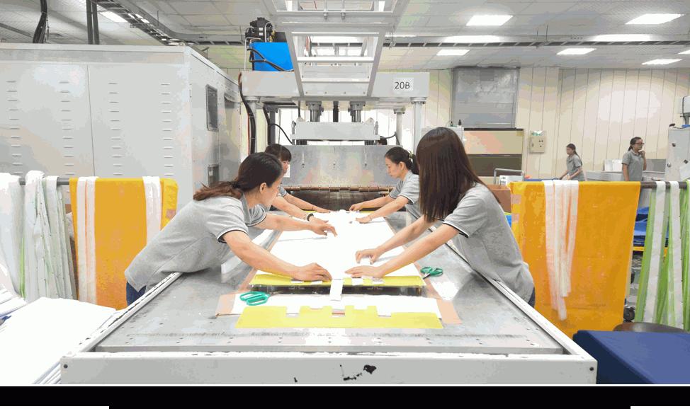 【圖解】八貫掛牌上市每股55元!宜蘭起家的「傳產」,如何打造出世界級機能布?