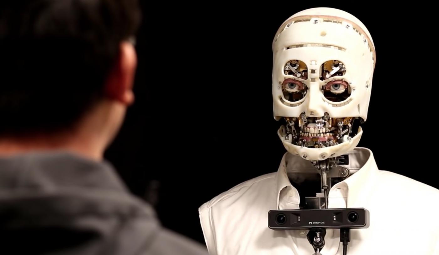 眼神自然的人造人!迪士尼研發人形機器人「Gaze」,能眨眼、模擬情緒表達,怎麼辦到的?