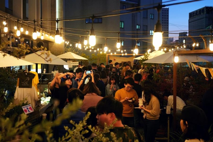 台南 U.I.J 首度封館跨年音樂祭!「跨過祭」集結音樂、餐酒、獨立品牌床位市集,3 大主題樓層亮點整理
