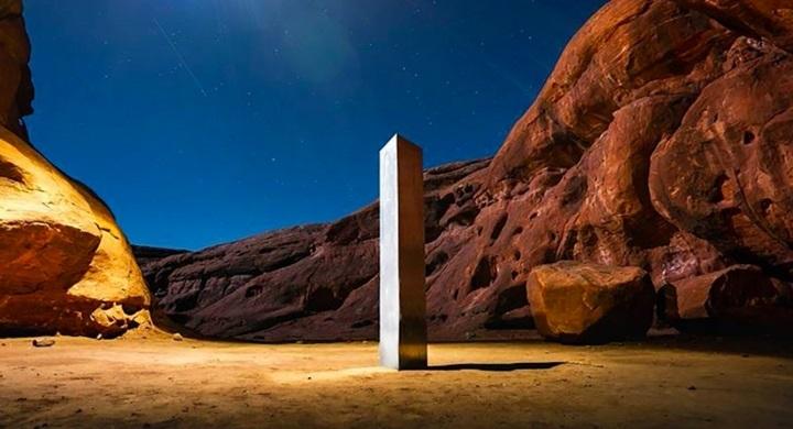 一根沙漠中的神秘金屬柱引全球熱議,究竟怎麼來的?揭露人類對「巨石文化」的迷戀