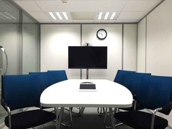 chairs-conference-room-corporate-236730-1-1024x768