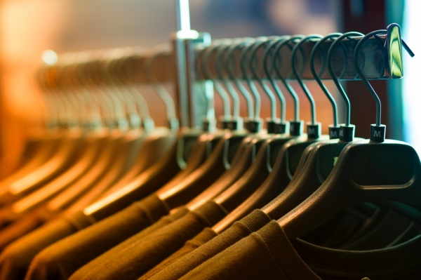 closet-clothes-clothes-rack-102129