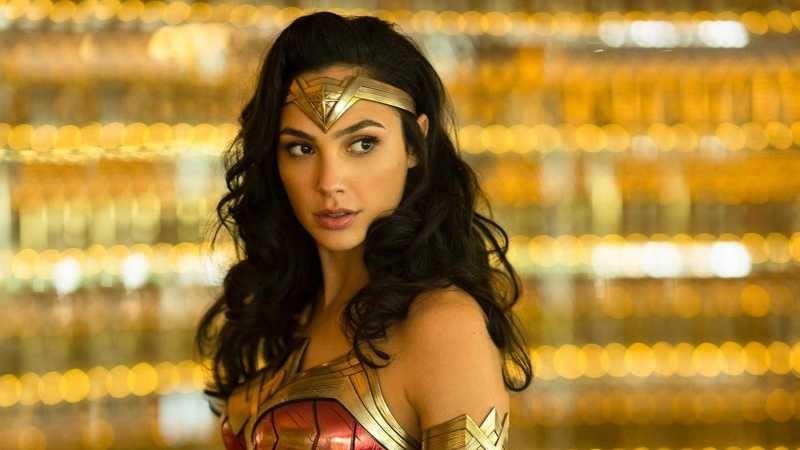 《神力女超人1984》在HBO Max上線了,卻引起好萊塢反彈!電影院真的會消失嗎?