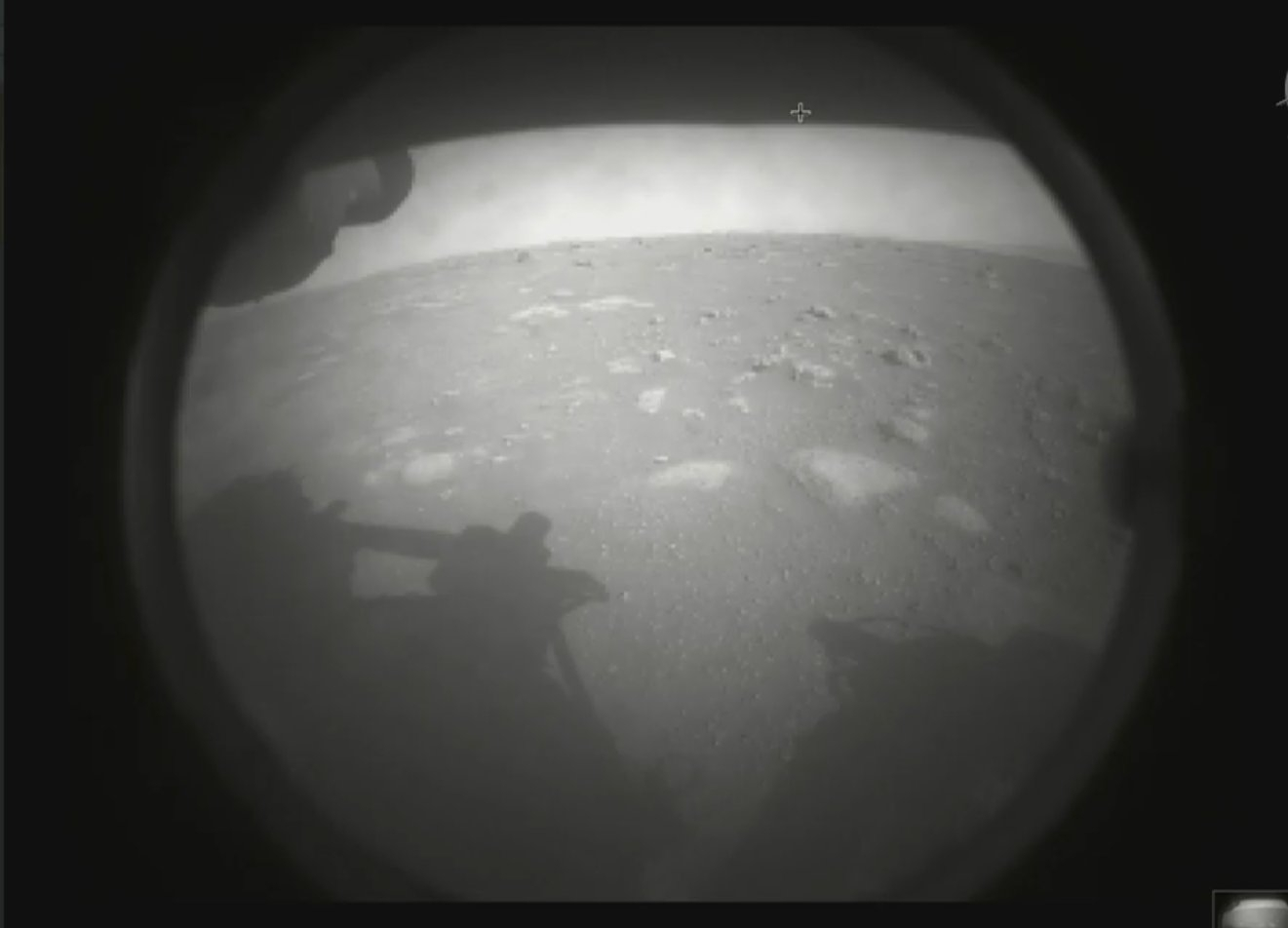 NASA「毅力號」登陸火星!最大探測器升空7個月,盼尋找生命跡象