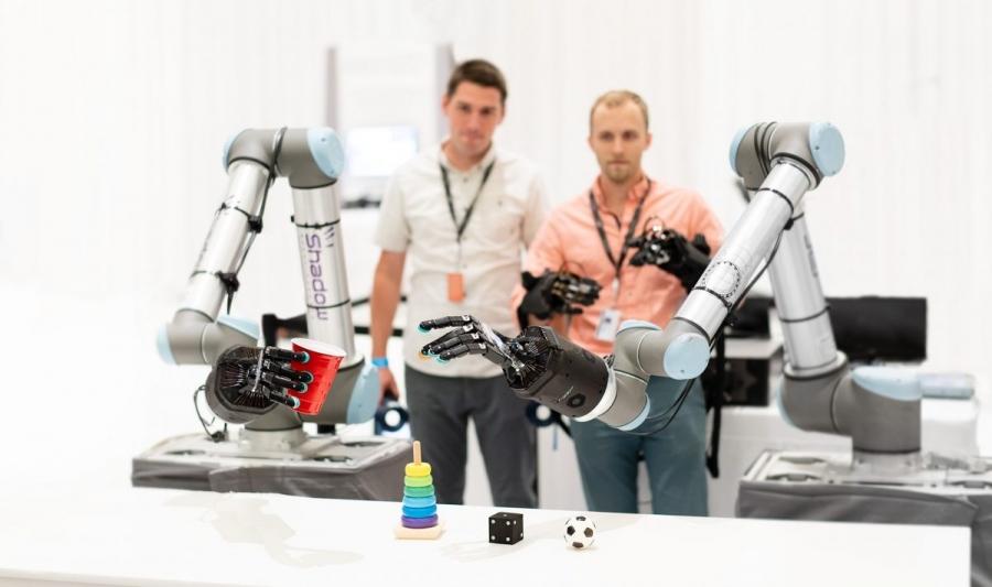 Haptx 機械手臂觸覺控制。