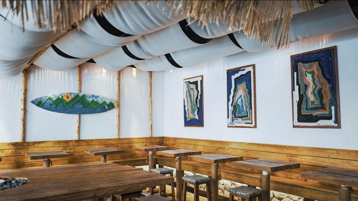 海岸垃圾化身藝術品!臺虎精釀 Driftwood 跨界合作,搭配台東漂流木打造環保風海島酒吧