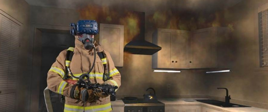 HTC VIVE 顛覆教育訓練 消防員進行VR虛擬火場實境培訓.jpg